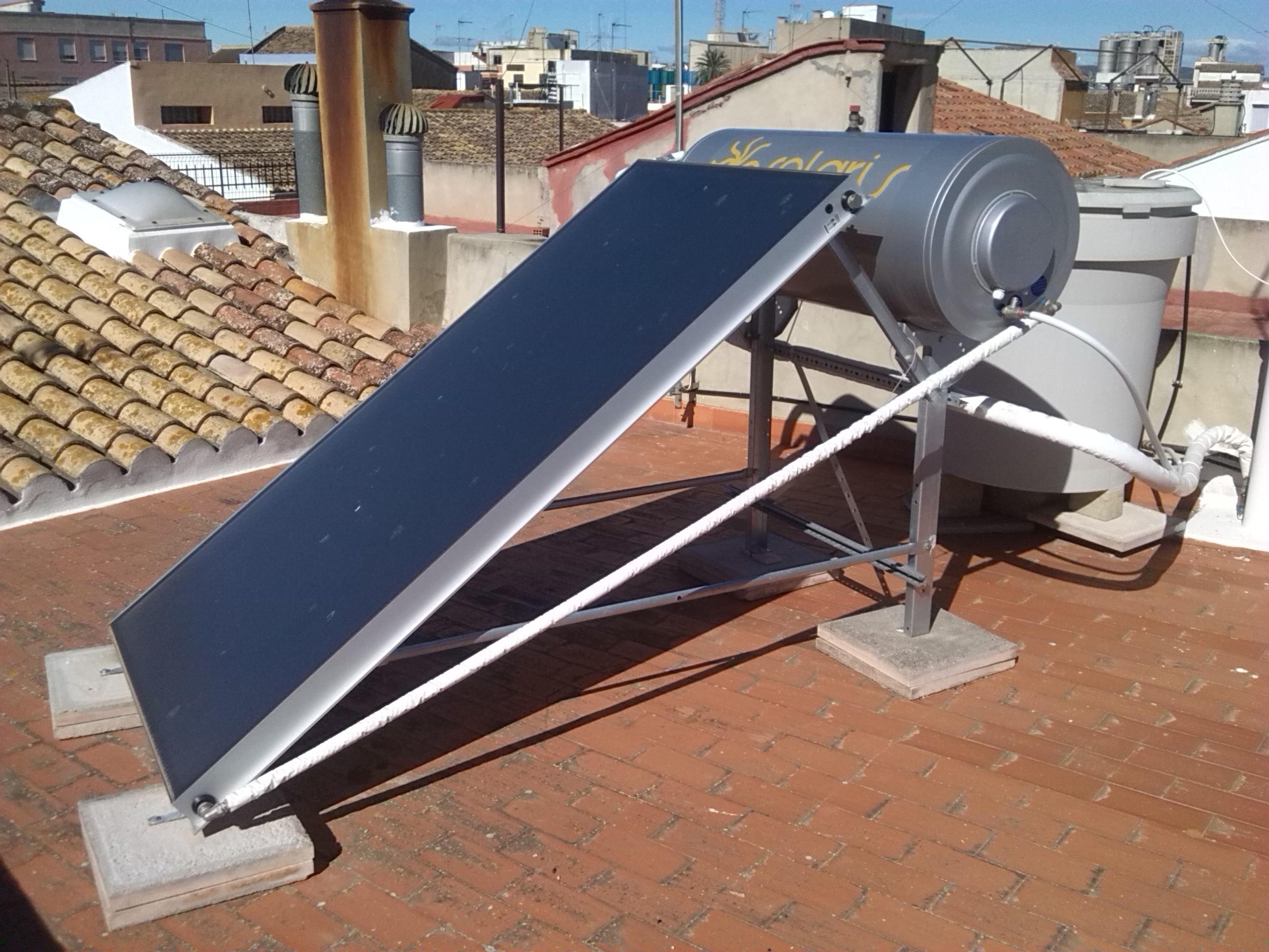 Agua caliente por energ a solar t rmica fret i calor - Agua caliente solar ...